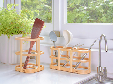 Utensils Holder with Diatomaceous Earth
