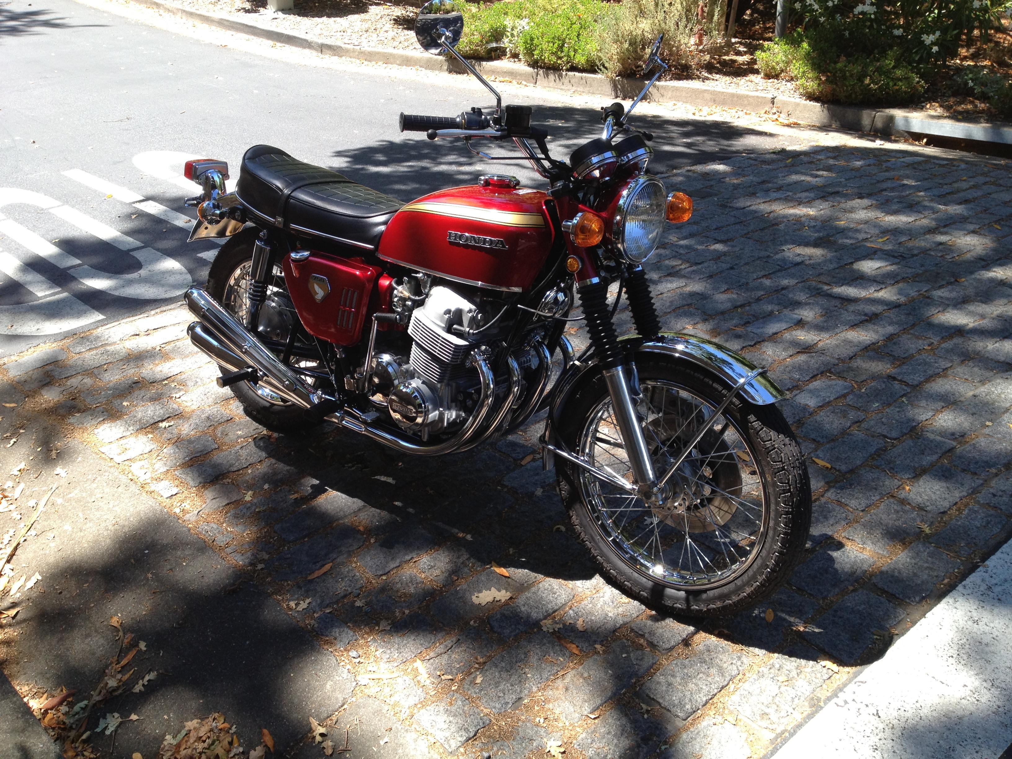 Honda CB750 K0 (2)