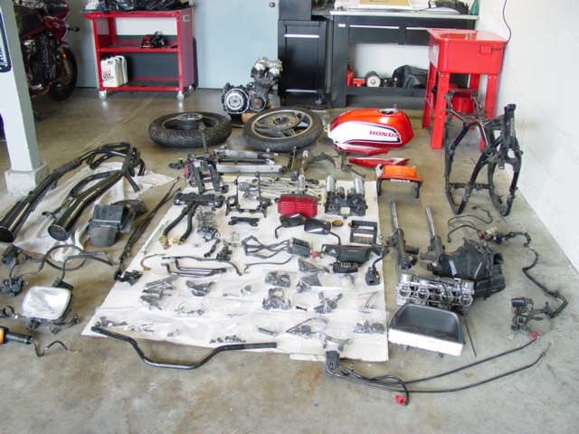 CB1100F_Completely_Disassembled_002