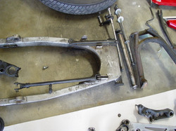 CB1100F_Completely_Disassembled_018