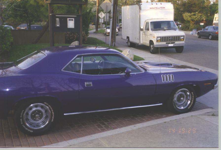 71_Purple_Cuda_Finished_006