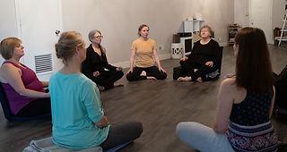meditation-class-XT337510.jpg