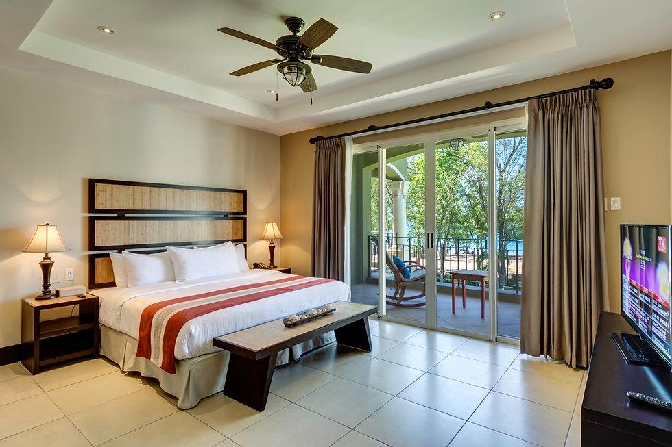 Hab 104A Master Suite - 0180 dormitorio.