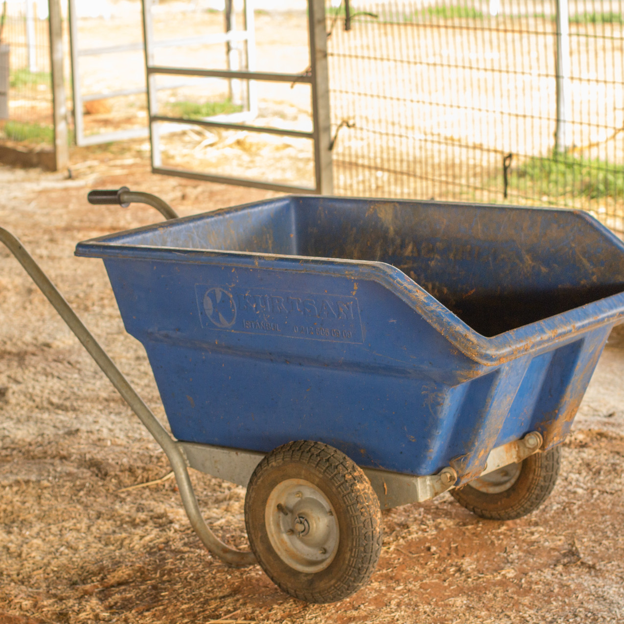 A second wheel barrow like this would reduce the amount of trips Lucy and her volunteers have to do out to the field to dump the rubbish