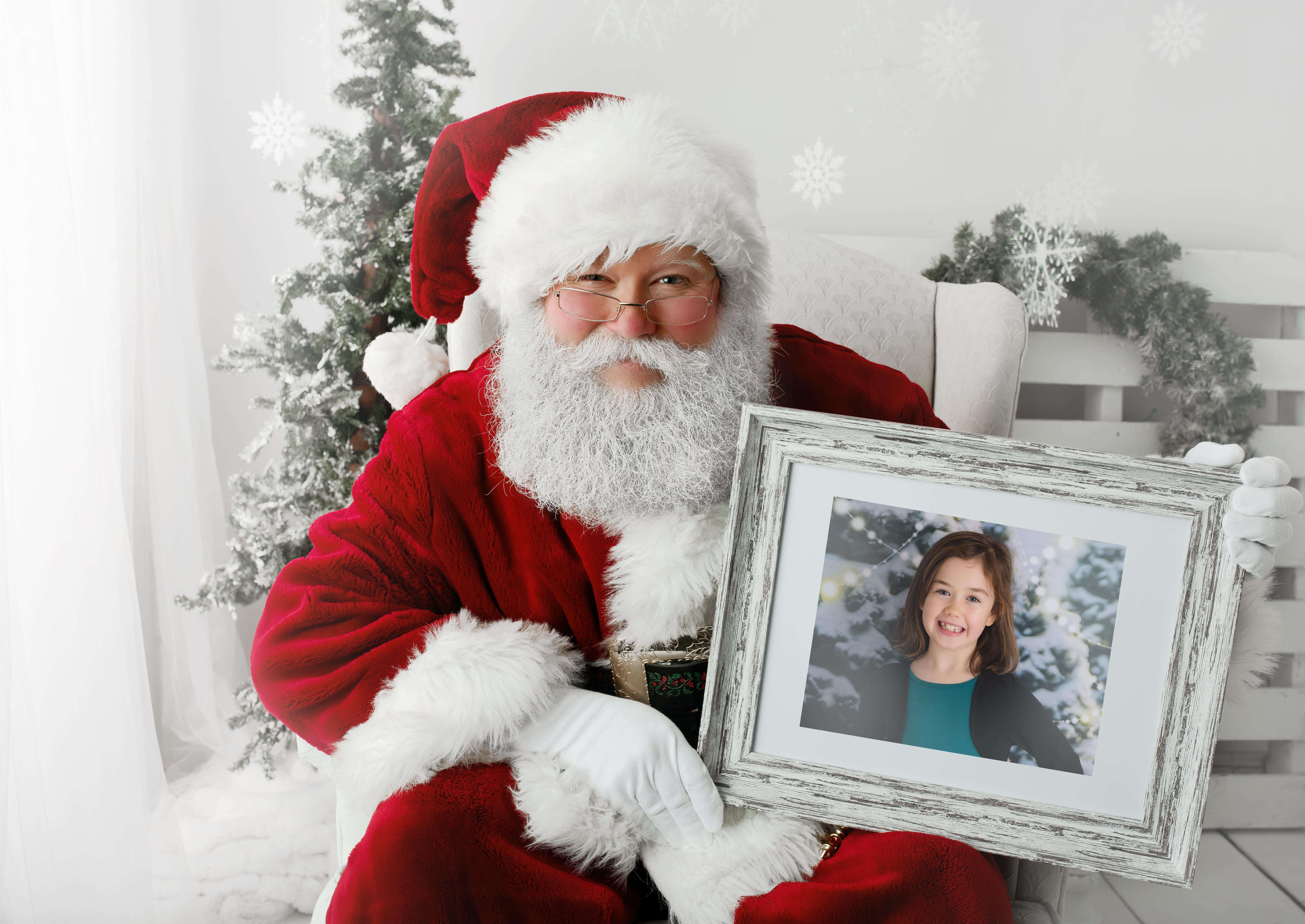 #9 - Santa with Portrait - Haze