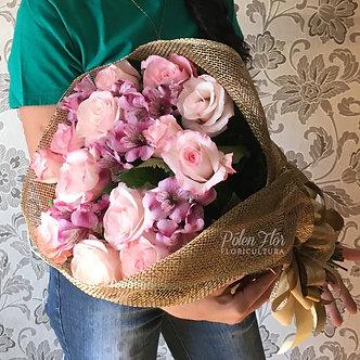 Buquê de Rosas e Astromélias