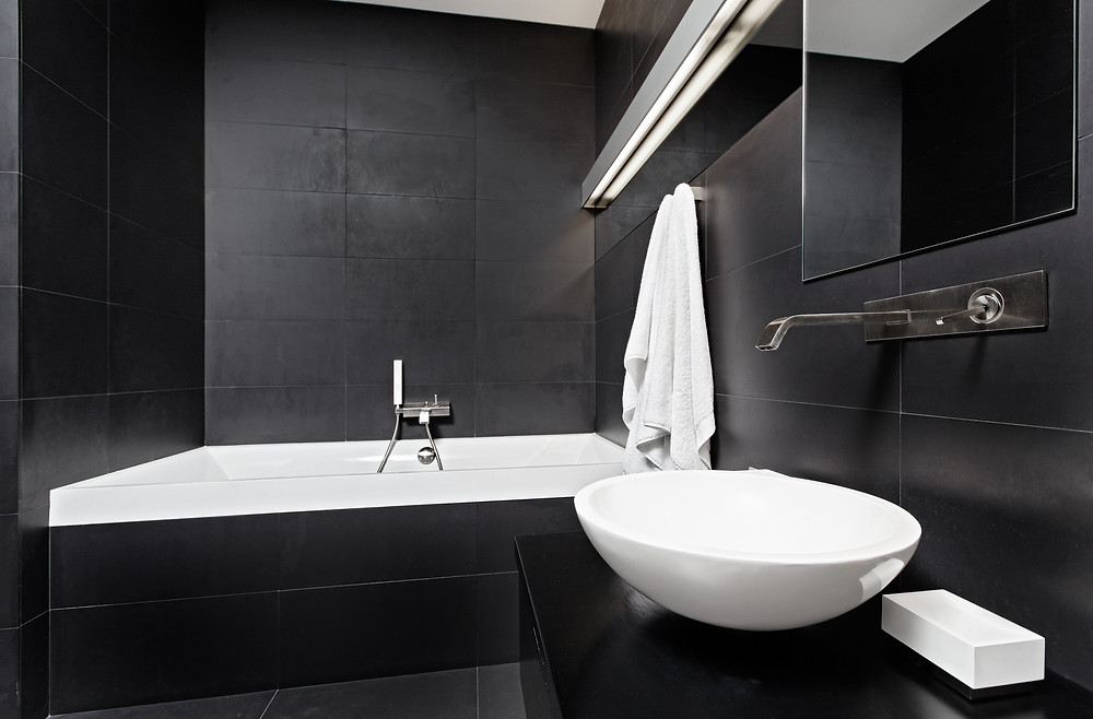 black bathroom in Manhattan