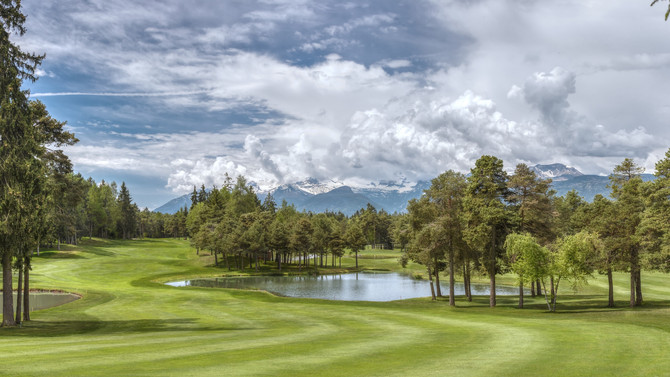 Dolomiti: golfing in a stunning scenario