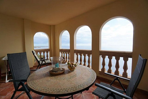 Frontline Apartment in Vallgornera with spectacular views