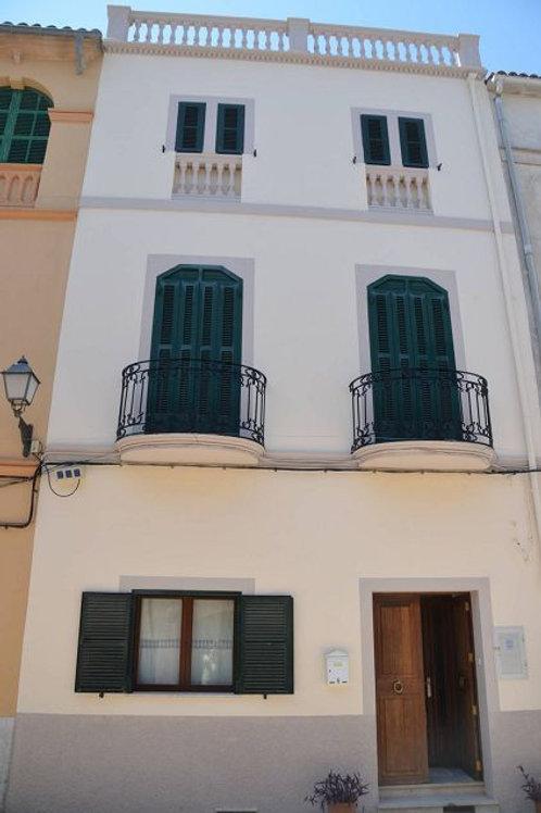Maravillosa Casa del Pueblo con licencia de alquiler en Lloret de Vistalegre