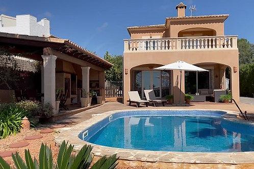 Beautiful villa in very good condition with sea views in Vallgornera