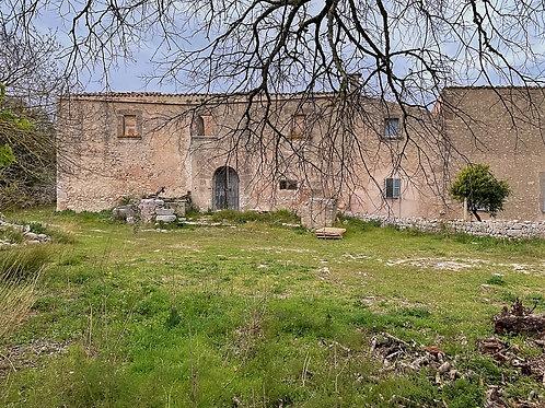 Espectacular casa pareada del  1800, para reforma con vistas fabulosas , Algaida