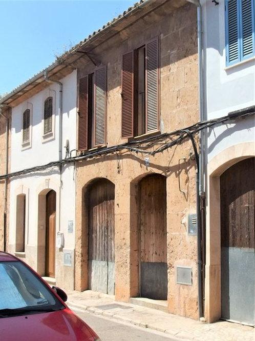 Stadthaus in guten Zustand mit schöne Innenhof in Llucmajor