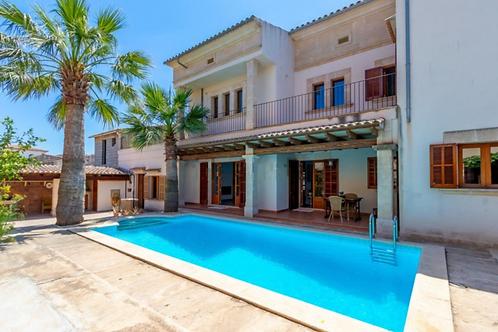 Preciosa casa de pueblo con garaje y  piscina en muy buen estado en Llucmajor
