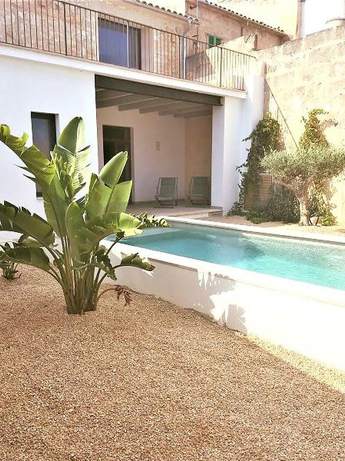 Beautiful reformed townhouse with pool and nice views in Porreras