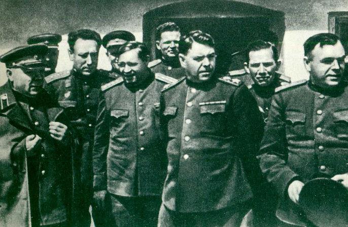 Василевский фото маршала на фронте 4.jpg