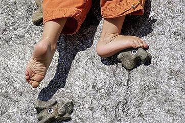 barefoot-3569057_640.jpg