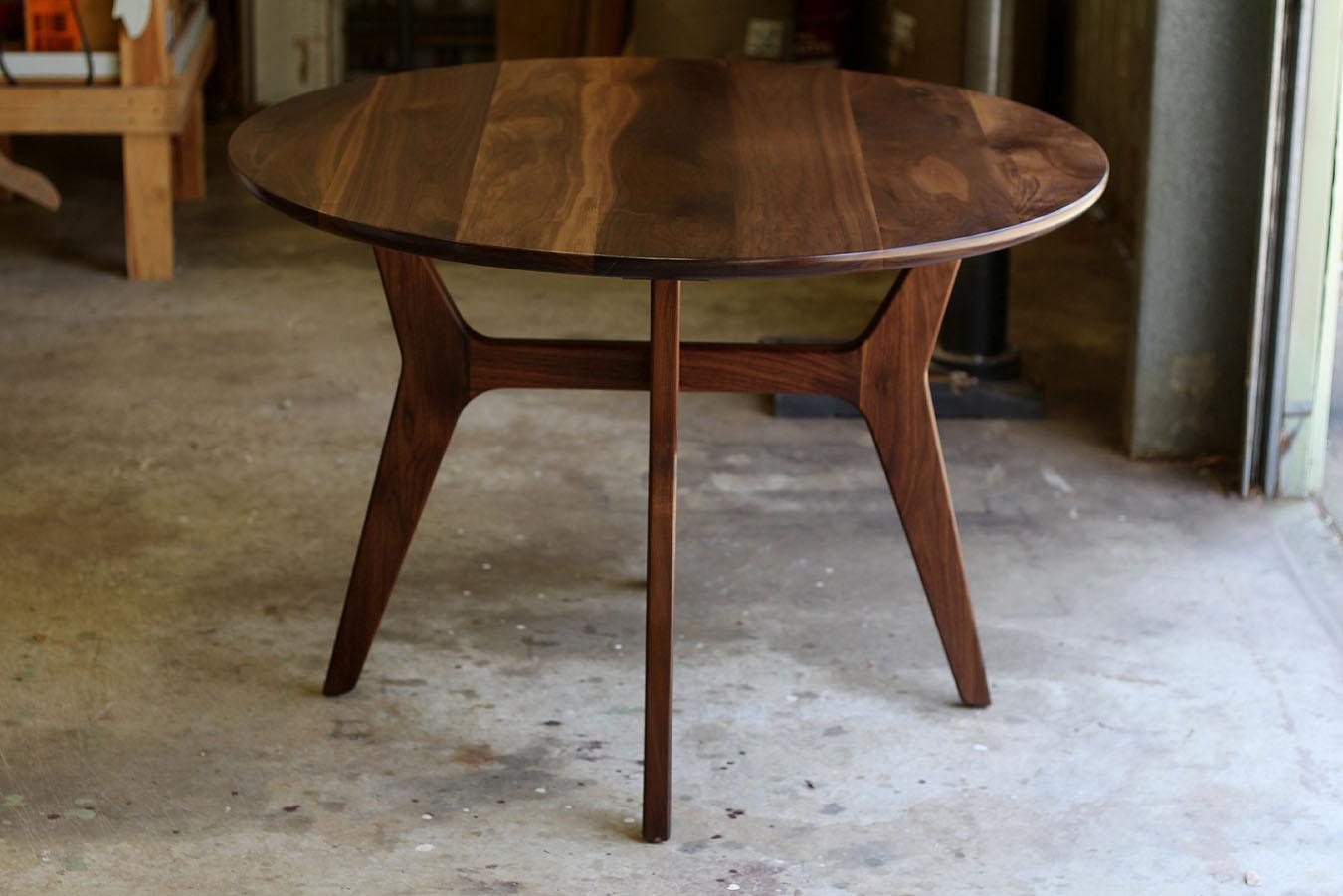 McKnight round dining table