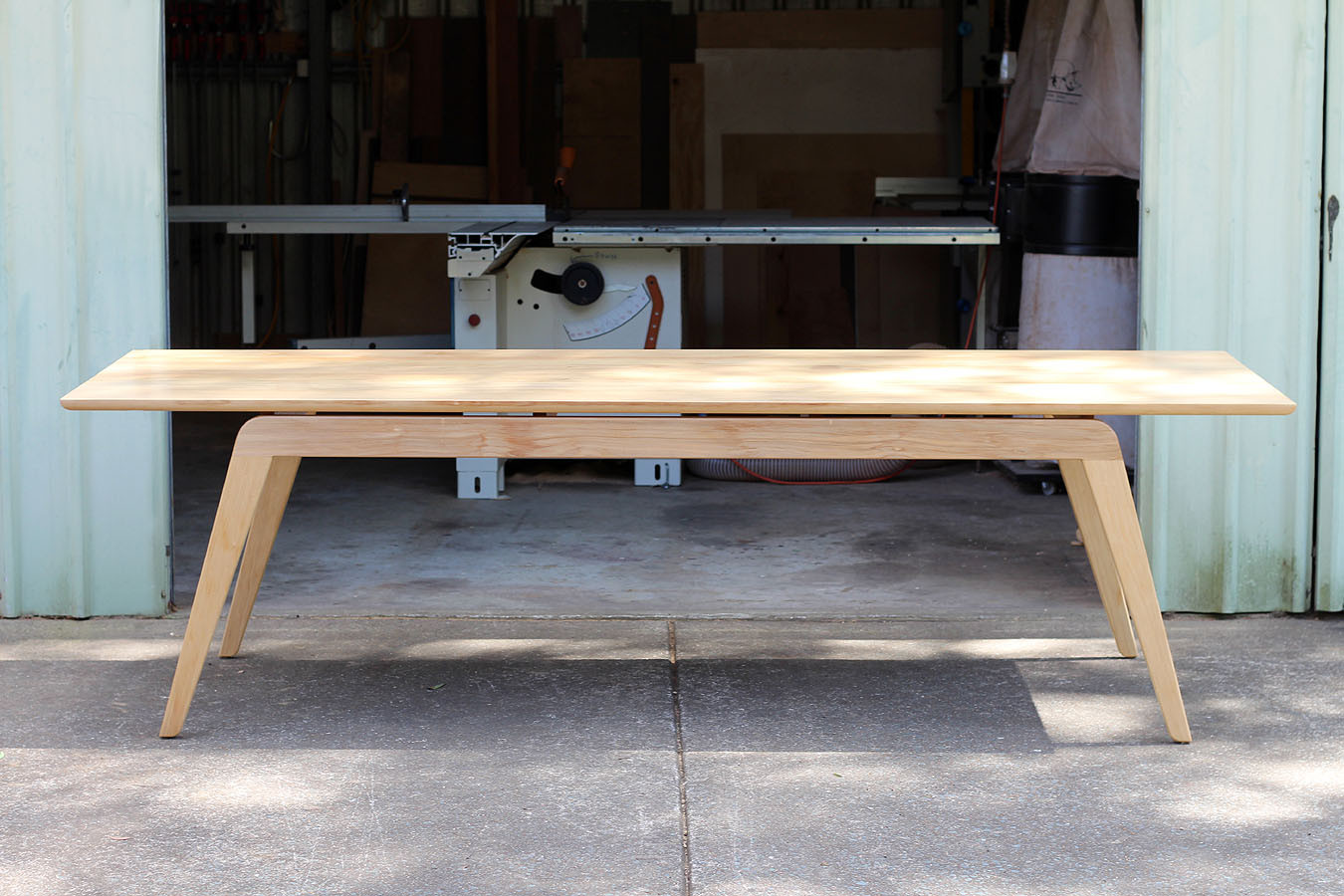 Eureka dining table