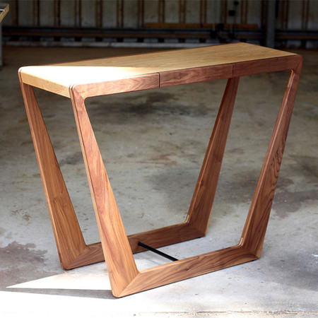 MABLE CONSOLE TABLE