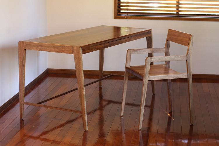Hamilton desk & chair