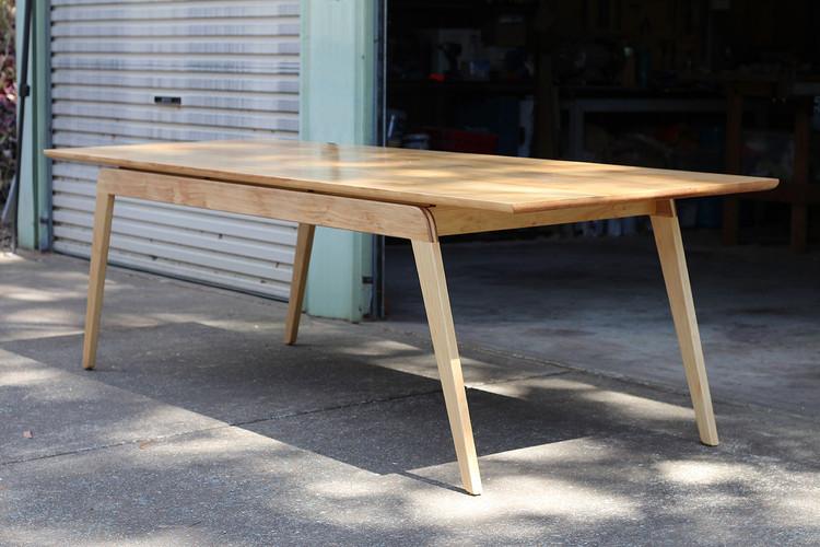 Eureka dining table