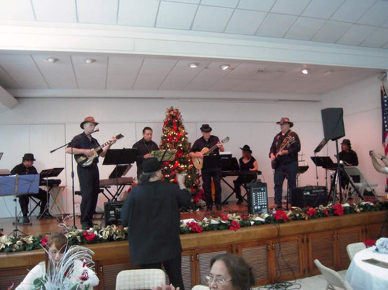 Students Perform at the Botanical Gardens