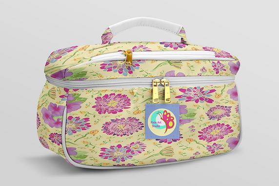 portable-makeup-bag-mockup.png