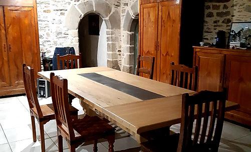Table monastère insert ciment (1).jpg