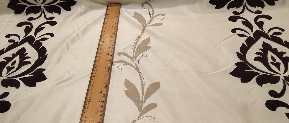 Cortina floreada 1.40m ancho