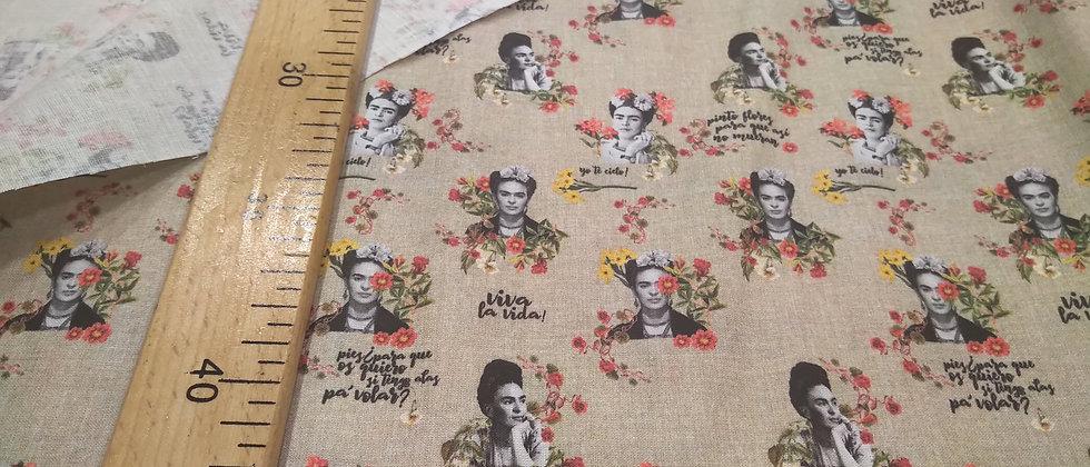 Frida Kahlo beige