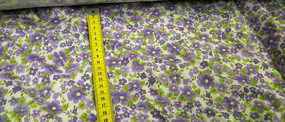 Piqué flores lilas