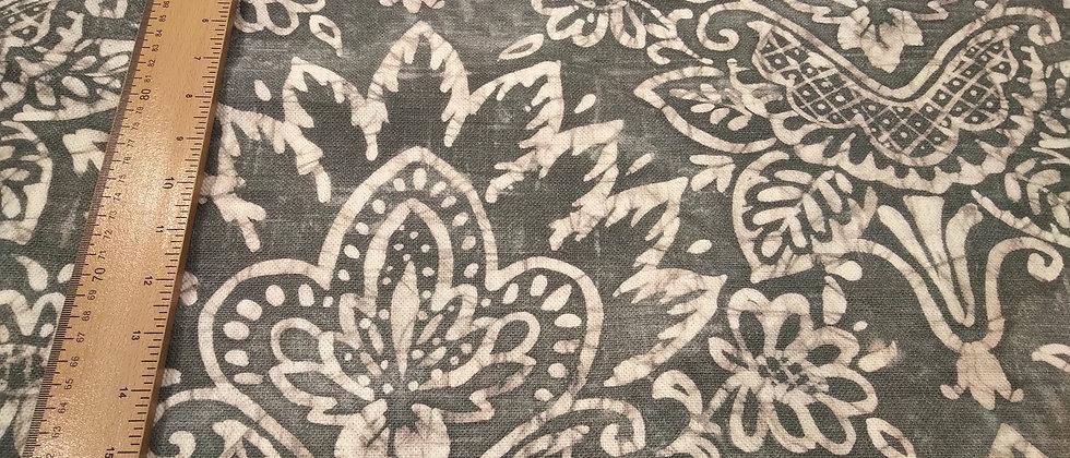Loneta gris simbolos floreados 1.50m ancho