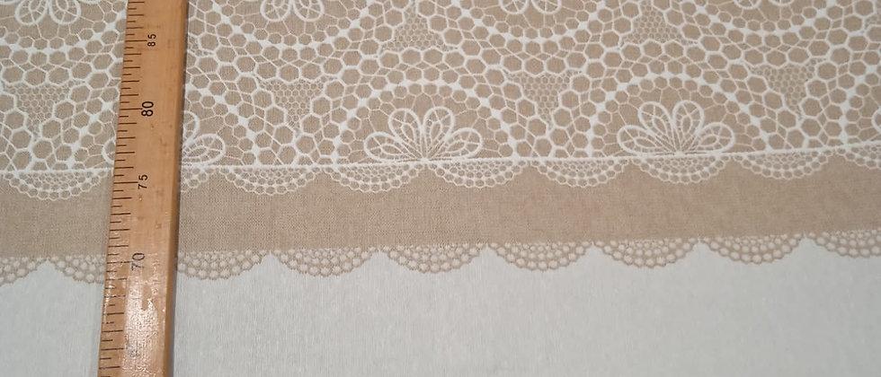 Hule resinado floreado beige y blanco 1.40m ancho