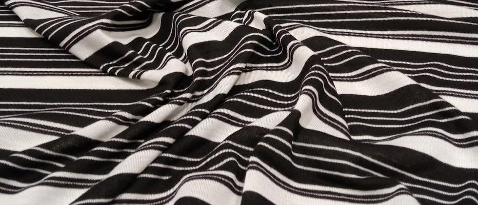 Punto rayado blanco y negro