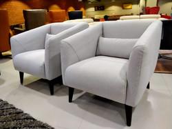 Takshila Lounge Chair