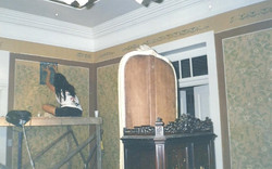 Restauro das pinturas em molde vazad