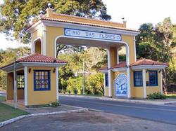 Pórtico Municipal Rio das Flôres