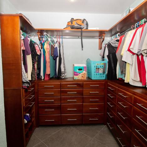 Closet - Chelsea