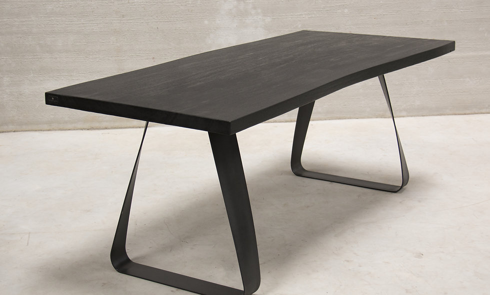 Rizo Dining table L 200 / W 85-87cm