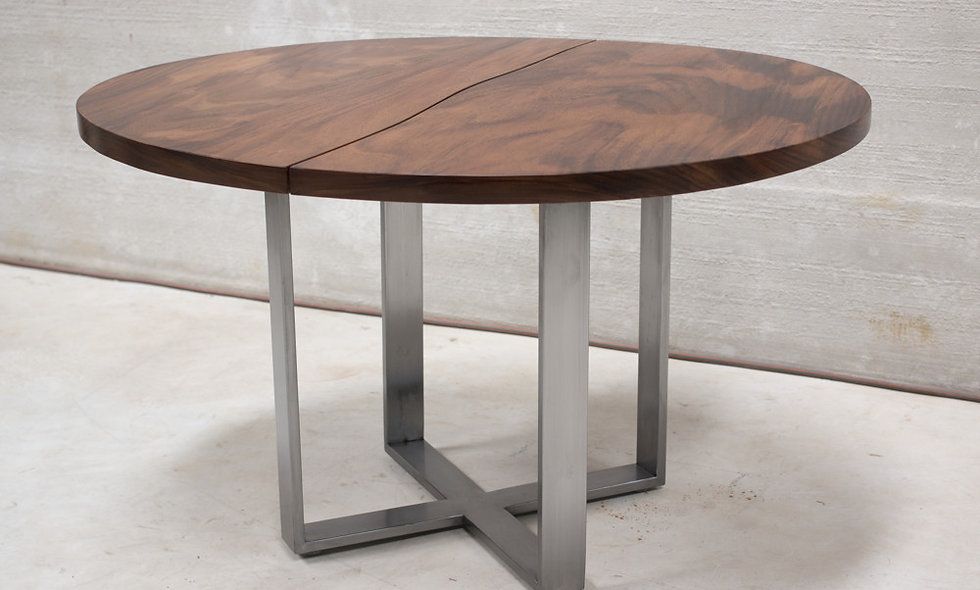 Ripoll Round Dining Table w Raw steel legs