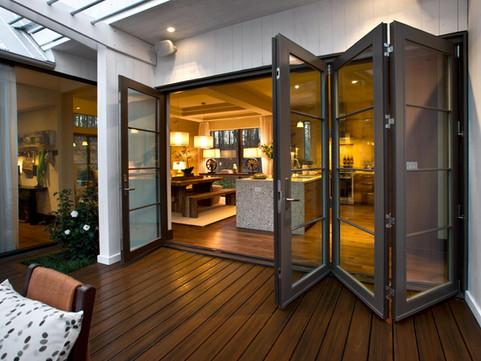 GH2012_BBQ-Courtyard-22-Doors-Open-Kitch