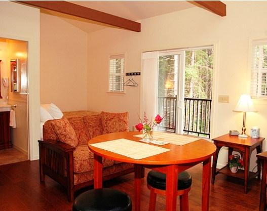 cottage_indoor04.jpg