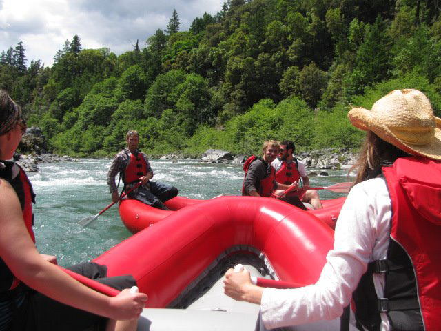 group-rafting-events.png