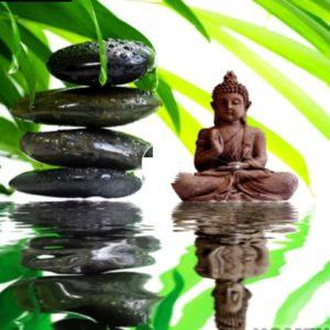 Broderie diamants Bouddha reflet dans l'eau 30cm x 30cm