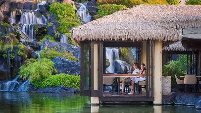 Grand-Hyatt-Kauai-Resort-and-Spa-P591-Tidepools-Couple-Dining-02.16x9.jpeg