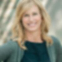 Lisa Headshot 2.jpg