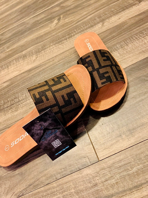 BIG FENDI LADY SLIDES