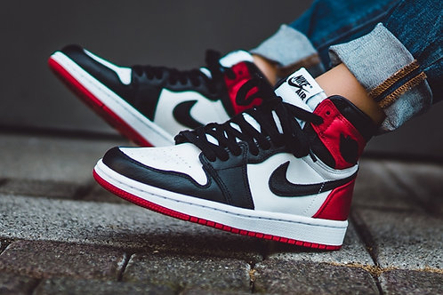 NIKE AIR JORDAN RETRO 1 HIGH OG SATIN BLACK TOE