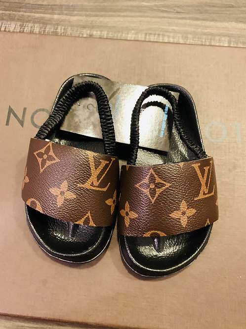 BABY CLASSIC LOUÍ SLIDES